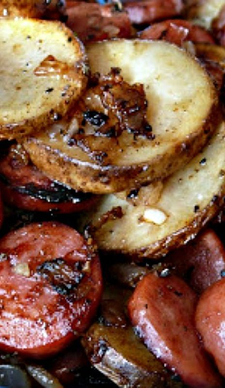 Sausage and Potatoes with Onions and Garlic   CookJino