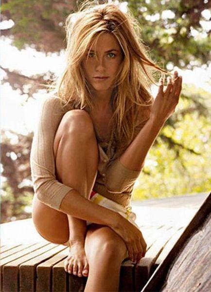 Jennifer Aniston as a Teenager | jennifer aniston avec son copain photoshop est aussi sexy que angelina ...