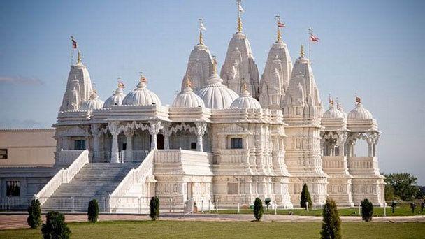 Индуистский  храм  в  Торонто.