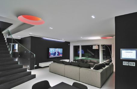 Private house in Roquebrune with Buzzi & Buzzi lighting