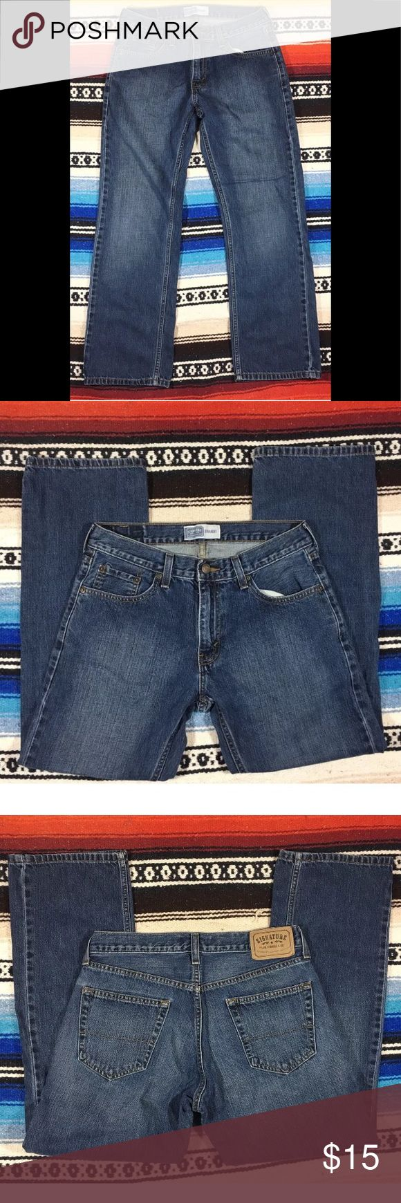 """Levi Strauss & Co Signature STRAIGHT Jeans 30 x 29 Levi Strauss & Co Signature STRAIGHT Levi Jeans Printed: 30 x 30 Actual: 30 x 28.5"""" 100% Cotton Excellent used condition! Measurements taken laying flat: Waist: 15"""" Rise: 9"""" Zipper length: 7"""" Hip: 21.5"""" Inseam: 28.5"""" Leg opening: 8.5"""" Signature by Levi Strauss Jeans Straight"""
