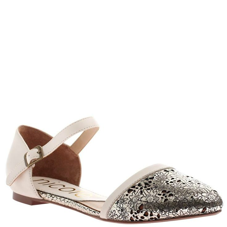 Make any outfit chic with these flats!