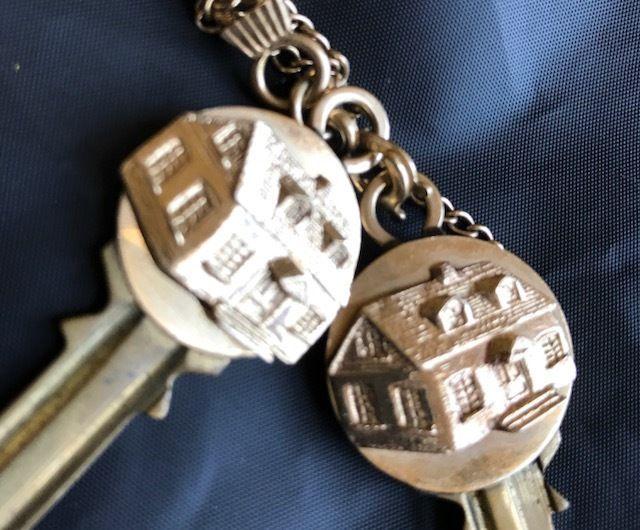 RARE!!-Mafia TRUE CRIME-Mob Boss MICKEY COHEN 14K Engraved Gold Keys