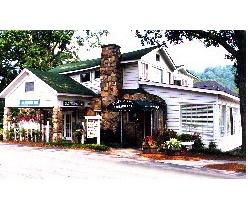 Vinings Inn Vinings Ga Cozy Little Attic Bar That Has