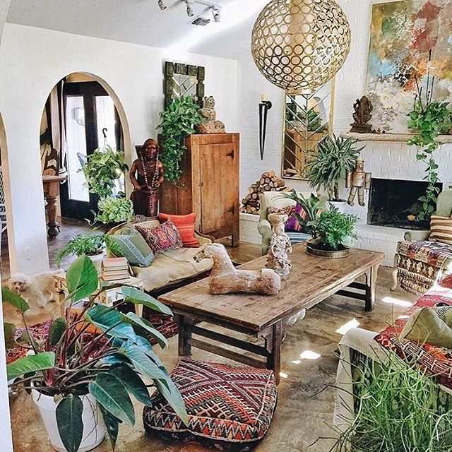 crystal.tribe on Instagram  PLANTS EVERYWHERE! :)