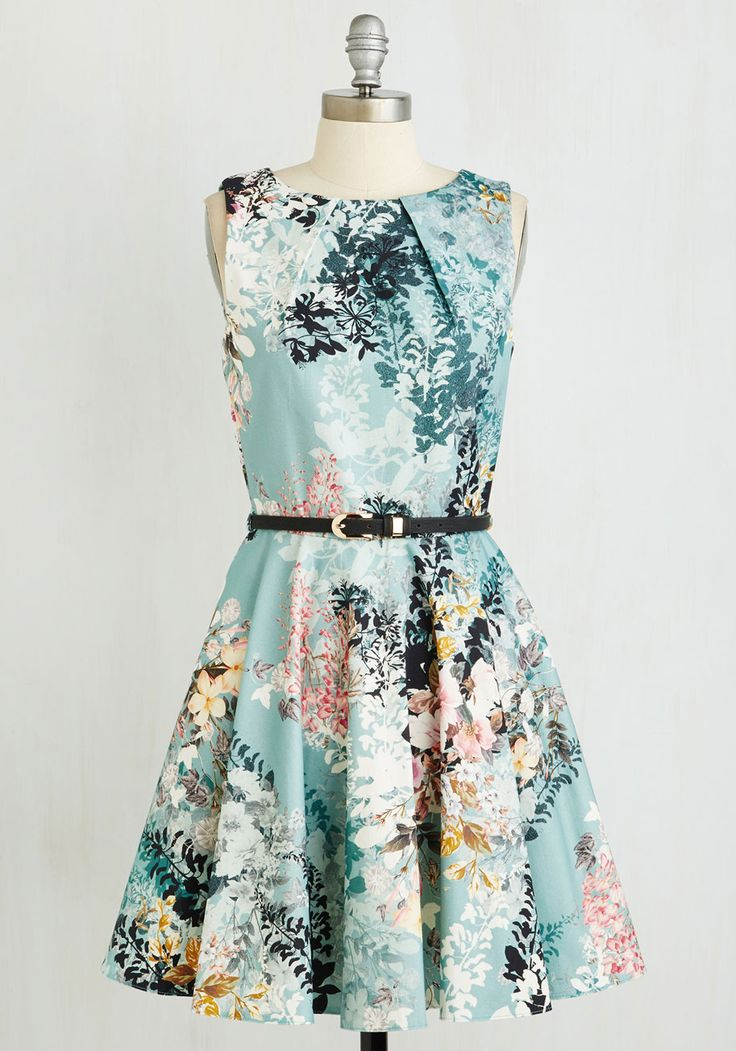 Luck Be a Lady Dress in Sage Bouquet
