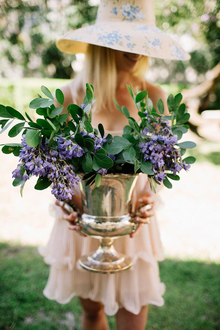 photographed by Kate Zimmermanfor Garden & Gun shot on location at the Texas Alpha Pi Beta Phi House We've never been to Churchill Downs, but we're pretty sure that derby watching parties are ...