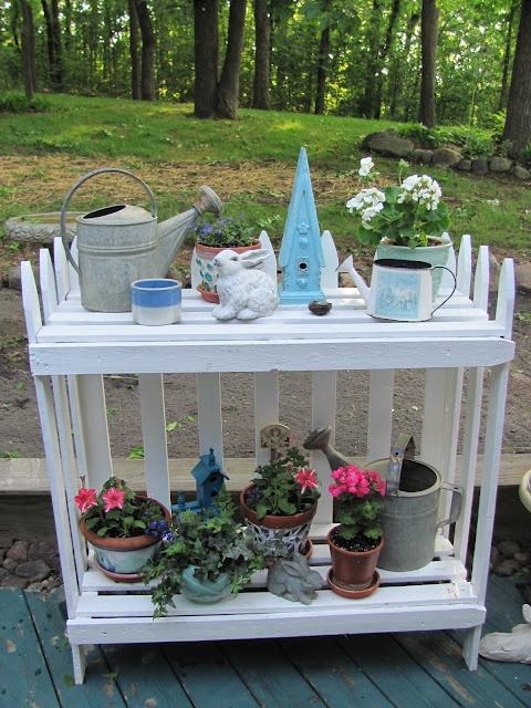 My Shabby Chateau: Picket Fence Plant Stand