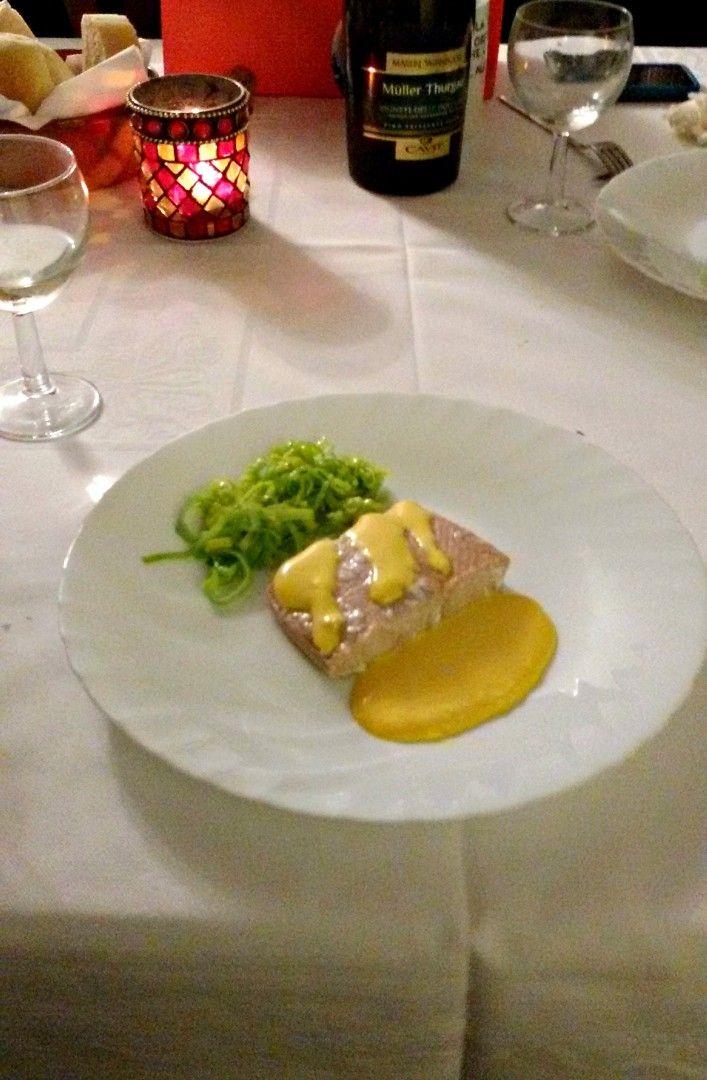 Salmone in salsa allo zafferano CLICCA QUI PER LA RICETTA-> http://blog.giallozafferano.it/eli93/salmone-in-salsa-allo-zafferano/