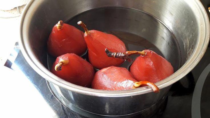 PERAS AL VINO TINTO ¡buenísimas! y muy fáciles de preparar http://elrincondelaurag.com/peras-al-vino/ #Postre #PerasalVino #PostreCasero