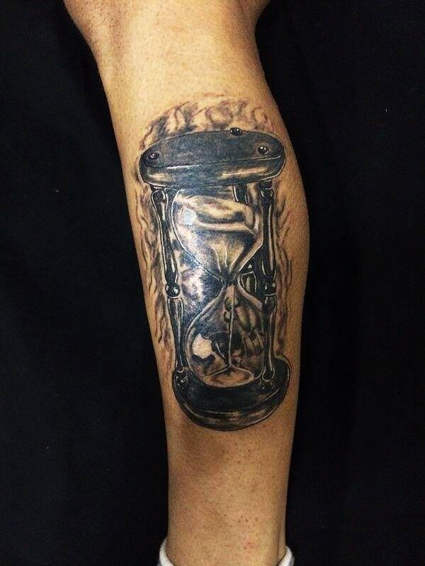 kum saati dövmesi(hourglass tattoo)