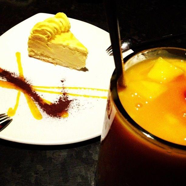 Mango cheesecake & mango bubble tea