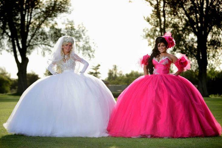 www.delunademiel.es Bodas gitanas, una de las tradiciones que mas puede chocar es el colorido de los vestidos.