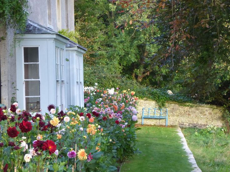 the Dahlia border at Ben Pentreath's Old Rectory. Why did I think I didn't care for Dahlias?