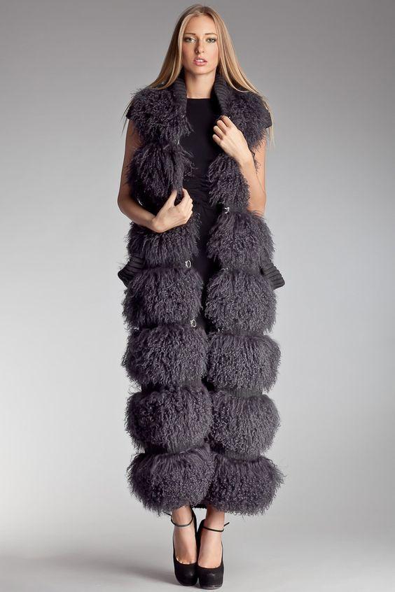 41307bb5d91 Модные женские меховые жилеты  тенденции 2017 - 2018 года с фото ...