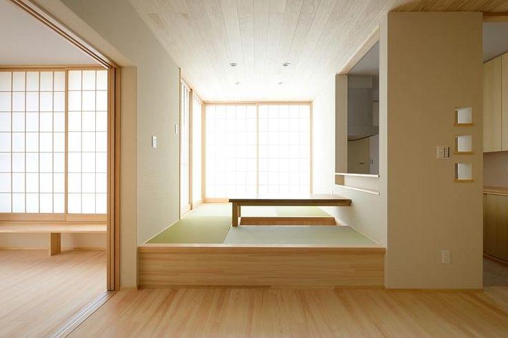M-T house:小上がりになった和風リビング。対になった障子から優しい光が入ります。
