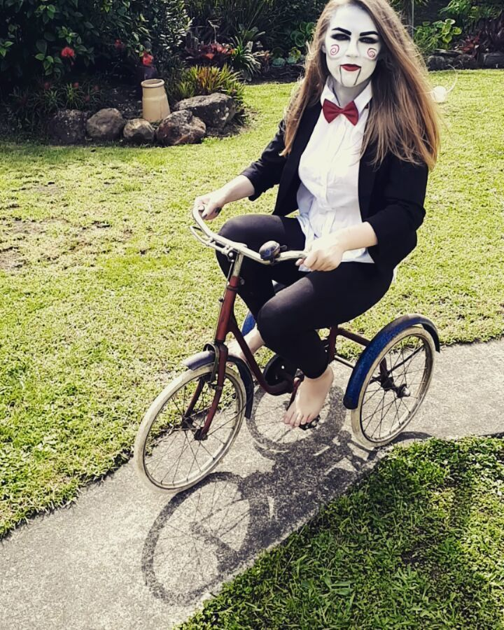 They see me rollin'            #sawmakeup #saw #movies #moviemakeup #tricycle #makeupartist #makeup #characterdesign #character #backstage #bowtie #suitandtie #puppet #dummy #smokeyeye #eyebrows #redlips #photography #theyseemerollin #wannaplayagame #halloween #scary #scarymovie #halloweenmakeup #riding #bike #ohhey #cosplay #costume #jigsaw