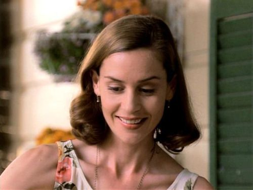 Today's Lesbian Character of the Day is: Miss Honey from Matilda!