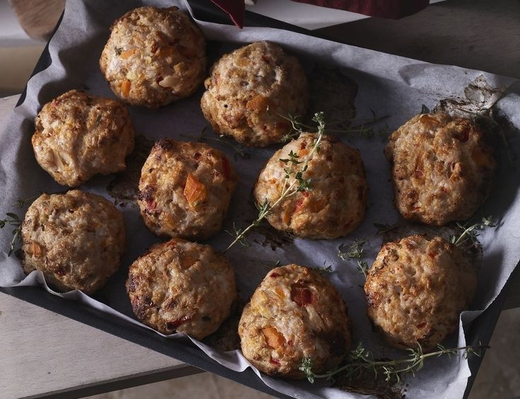 You can also use ground turkey meat instead of ground chicken and make turkey meatballs!  Preheat oven to 180* C (350* F) Fan. In a food processor, add the bread, ga...