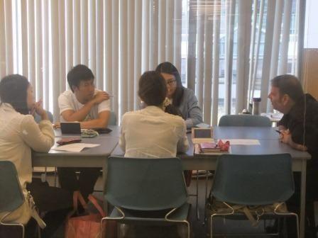 プラチナESLのカンバセーションクラスです。4人の少人数クラスです。PPCの詳しい情報はこちらから☆http://www.vc-ryugaku.com/school/lang/s12.html