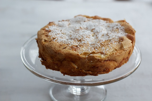 Cake Recipes In Pinterest: Another Apple Sharlotka Recipe (an Easy Russian Dessert