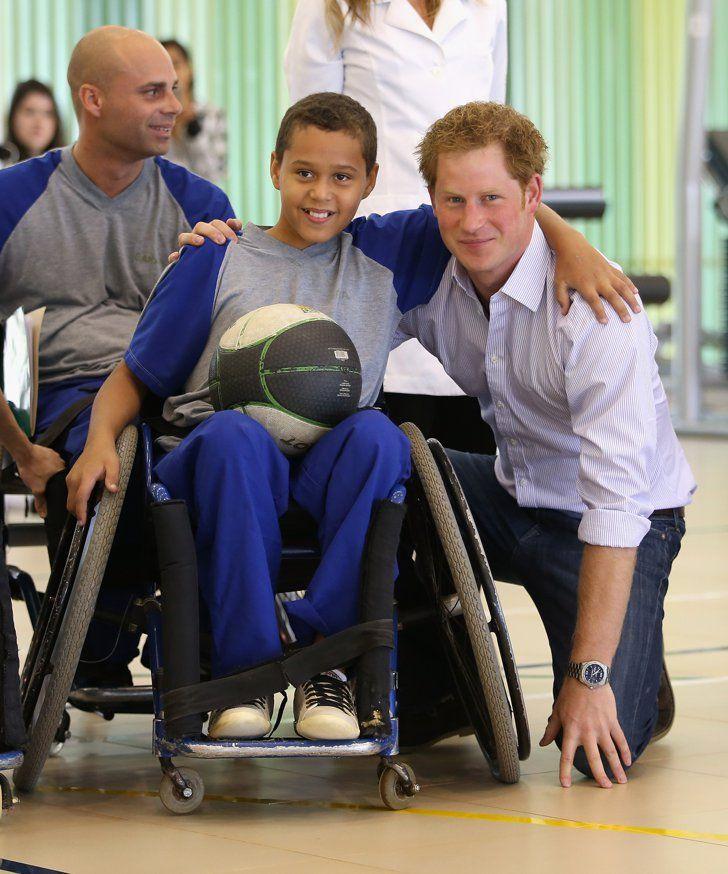 Pin for Later: Prinz Harry fiebert bei der Fußball-WM mit, aber nicht für England