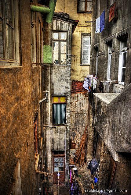 Valparaiso Chile - inner courtyard