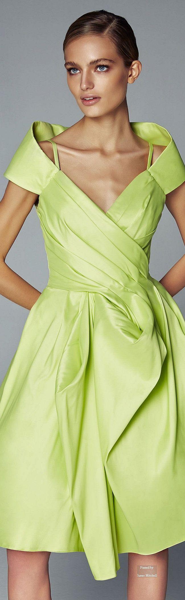 421 besten GREEN DRESSES Bilder auf Pinterest   Abendkleid, Grünes ...