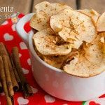 Receita de maçã desidratada ou chips de maça. Muito simples de fazer, uma opção leve e saudável para o lanche ou café da manhã. Chips de maça