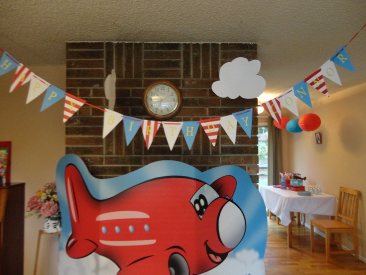 48 best images about airplane theme party on pinterest for Airplane party decoration
