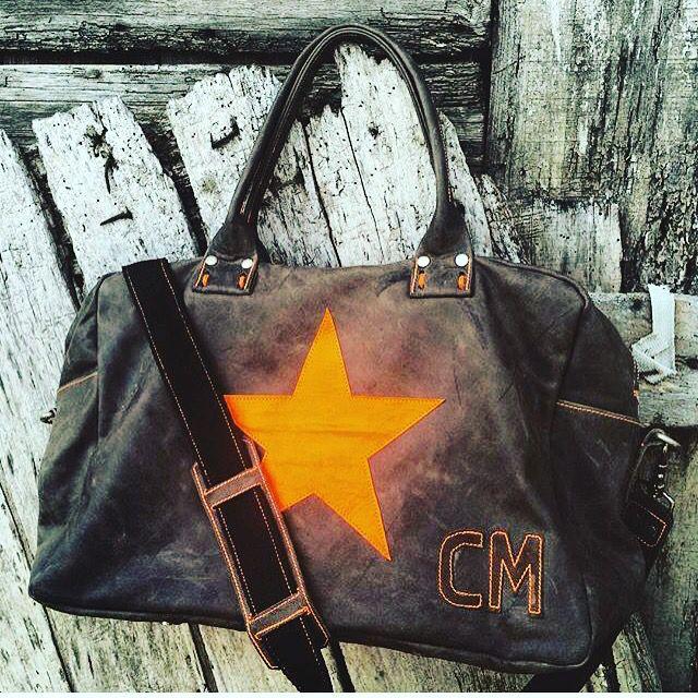 Borsone unisex dimensione viaggio/ palestra / vintage Leather / #italian Leather / star fluo orange / ILLOVE Bag