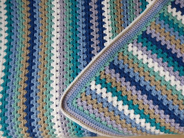 Een rand rond een granny stripe deken haken. Tutorial