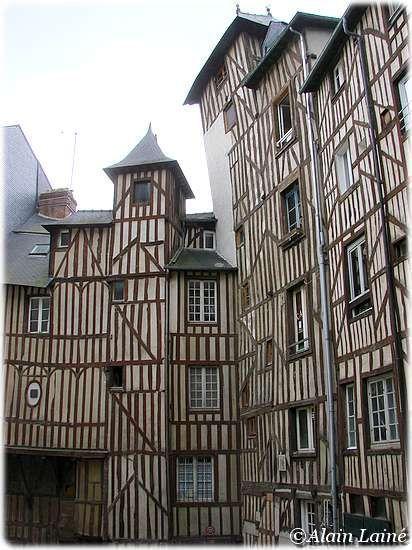 Maisons à colombages, 7 rue Le Bastard, Rennes                                                                                                                                                                                 Plus