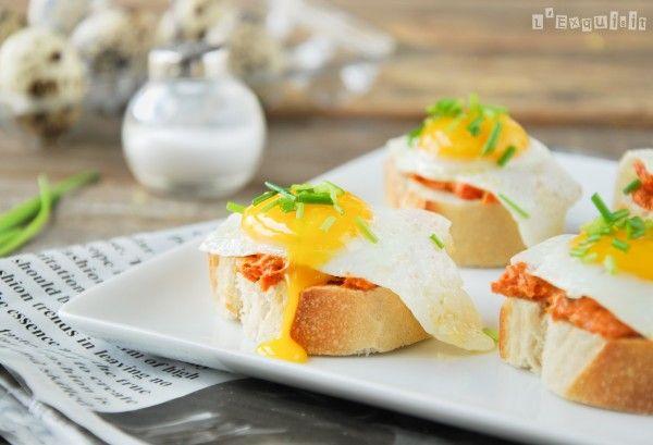 Montadito de sobrasada y huevo de codorniz