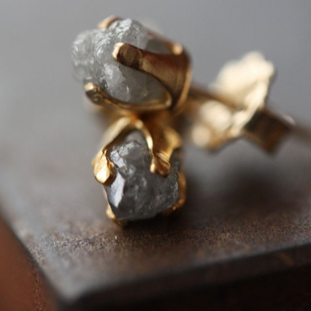 YES YES A THOUSAND TIMES YES: Raw diamonds studs.
