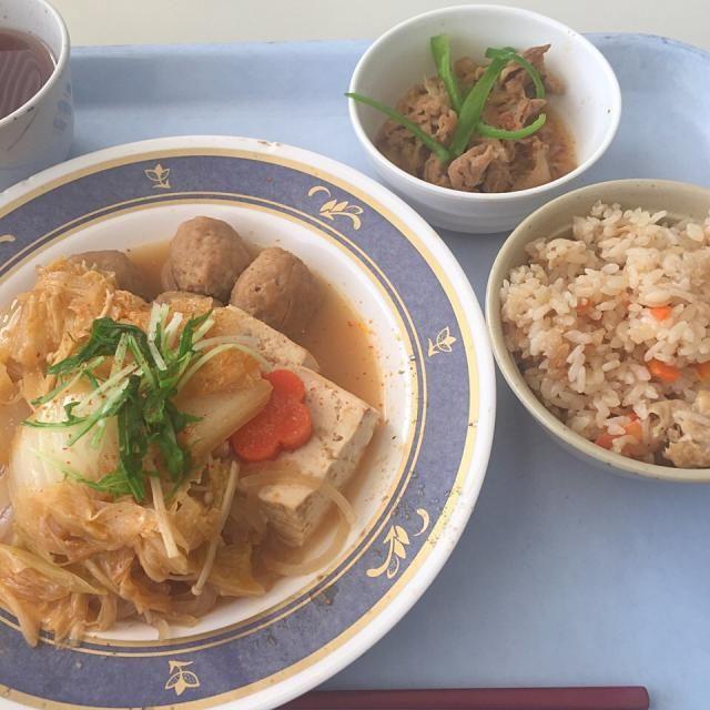 #とある社食で昼ゴハン - 9件のもぐもぐ - ヘルシー坦々鍋、豚肉生姜焼、五目炊き込みご飯 by maixx ใหม่
