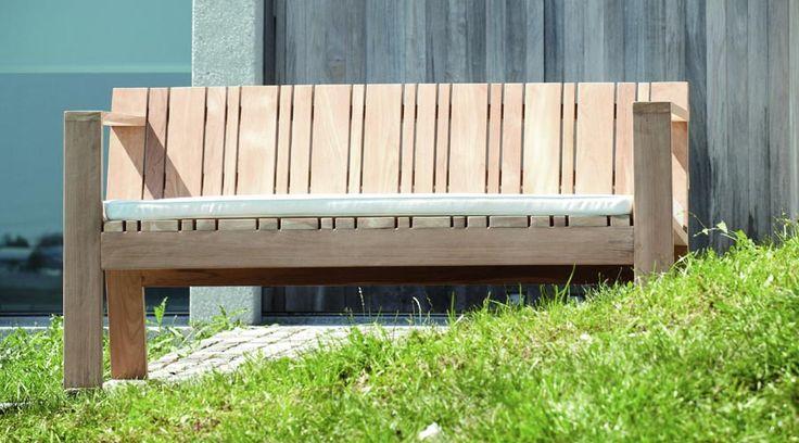 moderne gartenbank aus teakholz holzbank solit vom designer jan kurtz garten pinterest. Black Bedroom Furniture Sets. Home Design Ideas