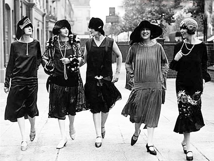 d7221050b65e Hur man åldersbestämmer vintagekläder, del 1 (Elsa Billgren) | Vintage |  Mode, Flappers, 1920s