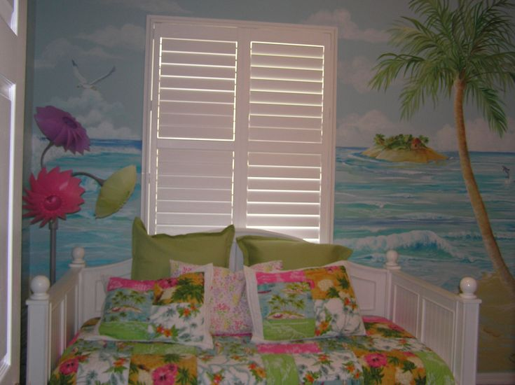 94 best images about beach themed rooms on pinterest beach mural beach theme bedrooms and beaches - Beach themed bedrooms for teenagers ...