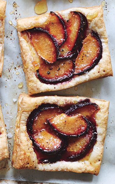 Plum tarts with puff pastry: The easiest dessert you'll ever make. Promise.