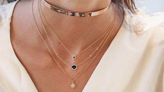 b4044023466f Descubre los collares tendencia 2019. Bisutería de moda bershka ...