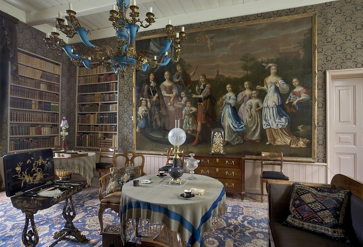 Het grote familieportret in de 'bonte kamer'. - Foto: Landgoed Borg Verhildersum