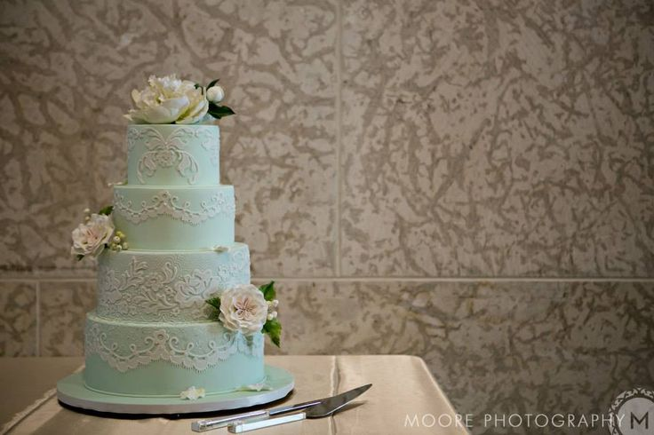 Mint color wedding cake