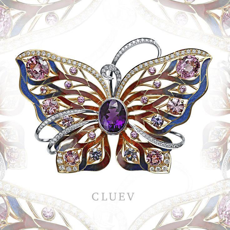 Жизнь настоящей бабочки – мимолётна. Драгоценная бабочка - брошь с аметистовым сердцем – бессмертна! Талисман зарождения вечной красоты от Cluev будет радовать Вас долгие годы.  Аметист - 6,39 карата, шпинель, сапфиры, бриллианты, эмаль, желтое и белое золото.  #CluevJewelley #Cluev #Аметист #бриллианты #сапфиры #брошь