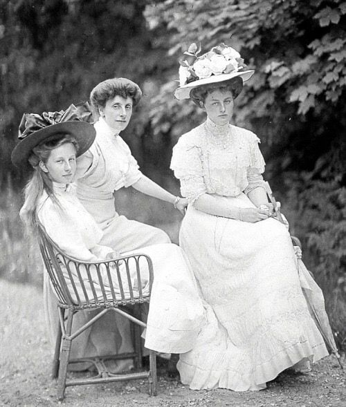 Princess Victoria Louise of Prussia with her aunt Princess ...