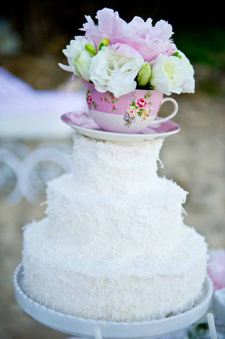 Cake with Coconut.  So feminine and airy!: Teas Cups, Cakes Toppers, Beaches Parties, Coconut Cakes, High Teas, Bridal Shower, Cups Cakes, Parties Cakes, Teas Parties