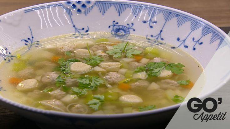 Kraftig klar suppe med kød- og melboller