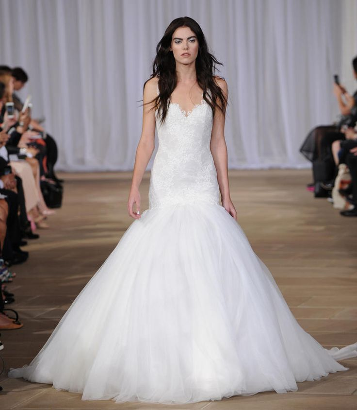 Ines di santo shows ultra feminine wedding dresses for for Trumpet style wedding dresses