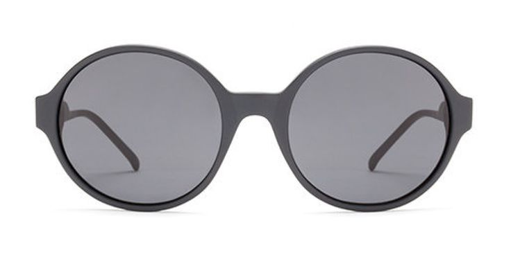 SHUT UP & KEEP TALKING I A large round shape with a modern flavour. Almost black is a softer version of classic black  Grey lens.