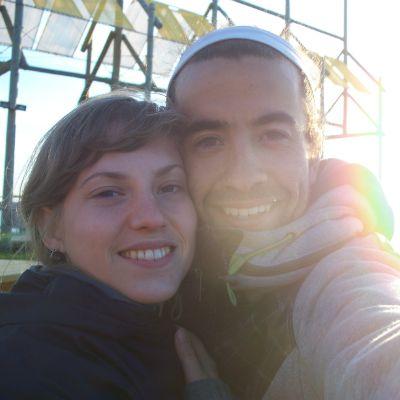 Parfois, un coup de cœur est plus fort que tout. Marie-Ève Bégin et Mathieu Harton, qui habitent à St-Siméon, sont arrivés dans la région à l'été 2010. « S'établir en Gaspésie allait de soi. Sans même peser les pours et les contres, nous avons décidé de faire le saut! ».